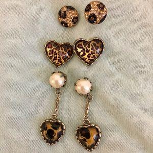 Fun Betsey Johnson earrings !